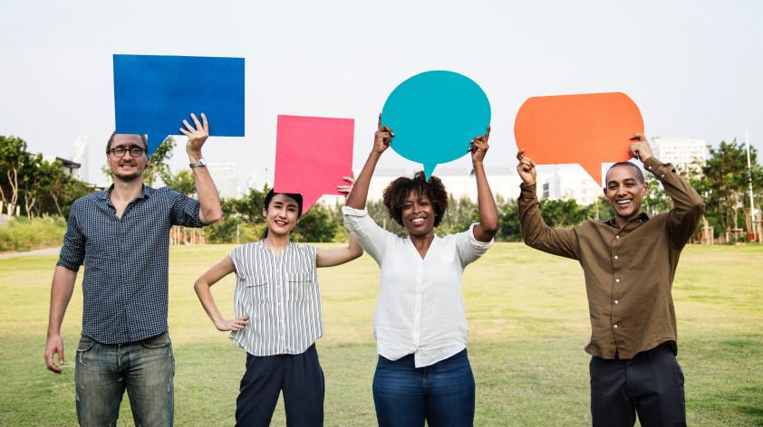 Scopri la differenza tra traduttore e interprete e le diverse tipologie di interpretariato